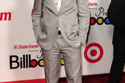 Jencarlos Canela Men's Suit