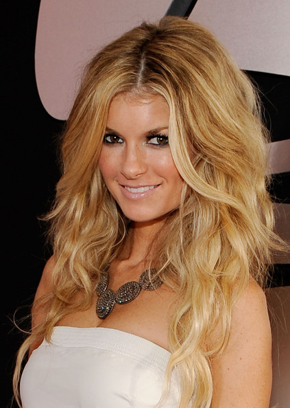 red carpet hairstyles updos. Her Long Wavy blonde hairstyle