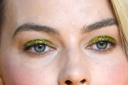 Margot Robbie Metallic Eyeshadow