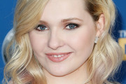Abigail Breslin Medium Wavy Cut