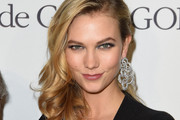 Karlie Kloss Side Sweep