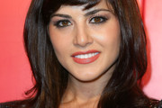 Sunny Leone Medium Wavy Cut with Bangs