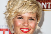 Kimberly Caldwell Short Wavy Cut