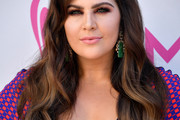 Hillary Scott Long Wavy Cut