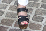 Samantha Mathis Wedges