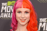 Hayley Williams Medium Wavy Cut