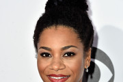 Kelly McCreary Afro Puff