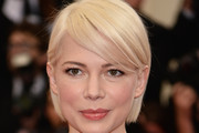 Michelle Williams Side Parted Straight Cut