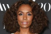 Janet Mock Medium Curls