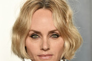 Amber Valletta Short Wavy Cut