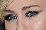Miley Cyrus Cat Eyes