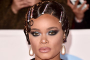 Andra Day Finger Wave