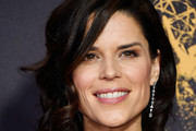Neve Campbell Curled Out Bob