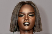 Duckie Thot Short Straight Cut