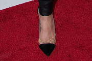 Teri Hatcher Pumps