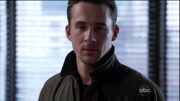 barry sloane height