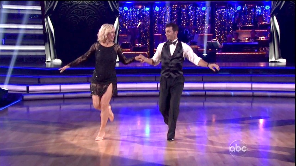 Tony Dovolani in Dancing with the Stars Season 14 Episode ...