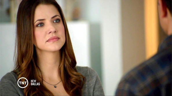 julie-gonzalo-mude-girls