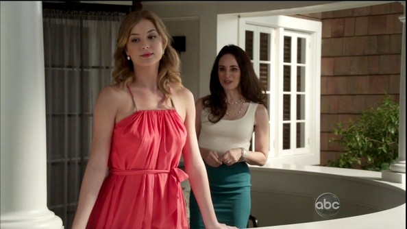 Emily VanCamp in Revenge Season 2 Episode 10 - Zimbio