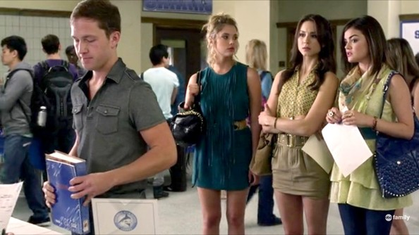 Lucy Hale and Ashley Benson - Pretty Little Liars Season 3 Episode 1